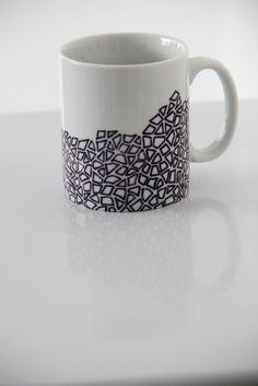 jessica tavares - paper is NOT the limit (design de caneca com sharpie)