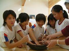 Okayama Mimasaka|岡山  美作 おかやま みまさか|さくとう山の学校  そば打ち、ふかしまんじゅう、こんにゃく、かしわもち、もちつきなど手づくり体験、木工づくり、バーベキューなどさまざまな体験が楽しめるよ!