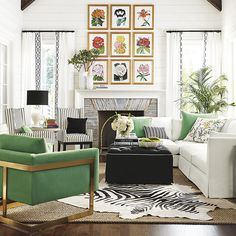 We're sharing 10 large wall decor ideas for your living room, from walls to storage to mirrors to art. Love the Ballard Designs style you create! Living Room Small, Living Room Decor, Living Rooms, Family Rooms, Home Goods Wall Decor, Home Decor, Bedroom Walls, Kids Room Wallpaper, Wallpaper Ideas