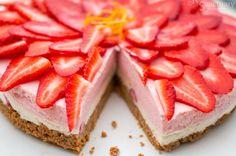 Cheesecake φράουλας χωρίς ψήσιμο Gluten Free Deserts, Gluten Free Sweets, Gluten Free Cakes, Dairy Free Recipes, Healthy Dessert Recipes, Raw Food Recipes, Baking Recipes, Delicious Desserts, Yummy Food