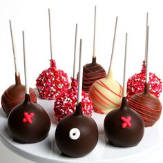Hugs and Kisses Chocolate Dipped Cake Pops Chocolate Cake Pops, Love Chocolate, Chocolate Gifts, Chocolate Dipped, Belgian Chocolate, Valentines Day Chocolates, Valentines Day Cakes, Valentine Chocolate, Valentine Gifts