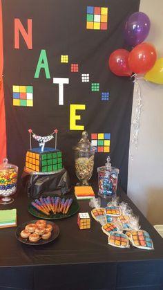 Table: Rubix cube theme