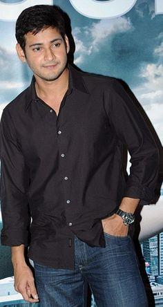 Mahesh Babu (9 Aug)- Black shirt, blue jeans!
