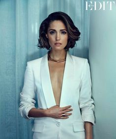 Rose Byrne is just your average Manhattan girl. She uses CitiBikes and rides the subway, she peruses local art galleries, and she likes to hit restaurants in her East Village 'hood for dinner and drinks.
