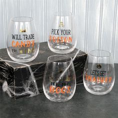 Fall Wine Glasses, Halloween Wine Glasses, Stemless Wine Glasses, Halloween Quotes, Spirit Halloween, Halloween Fun, Halloween House, Wine Glass Sayings, Wine Carrier