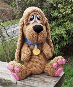 Basset Hound Puppy Amigurumi Crochet Pattern by LisaJestesDesigns