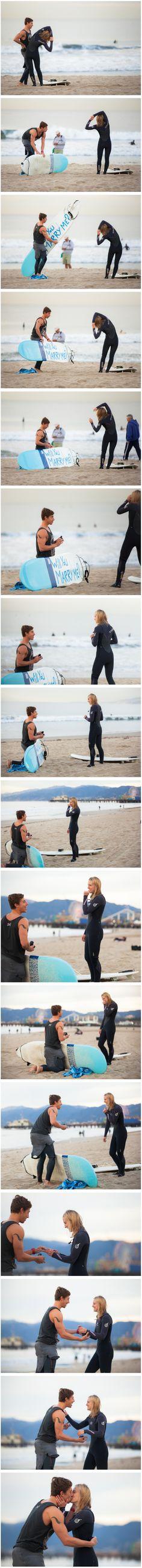 Que pedido de casamento mais Fofo! Uma manobra linda e radical de um surfista super romântico <3