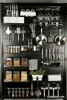 24 Smart Kitchen Organization Ideas On A Budget Smart Kitchen, Kitchen Pantry, New Kitchen, Kitchen Dining, Kitchen Decor, Kitchen Stuff, Kitchen Ideas, Kitchen Pegboard, Kitchen Worktop