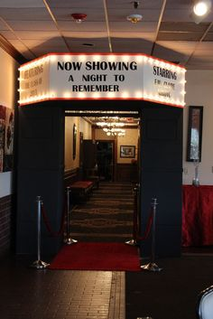"Photo 3 of Movie Awards / Military Ball ""A Night to Remember"" Catch My Party Dance Themes, Movie Themes, Deco Theme Cinema, Kino Party, Bar Deco, Homecoming Themes, Hollywood Night, Old Hollywood Party, Movie Night Party"