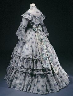 Victorian Gown, Victorian Fashion, Vintage Fashion, Vintage Outfits, Vintage Gowns, Antique Clothing, Historical Clothing, 1850s Fashion, Civil War Fashion