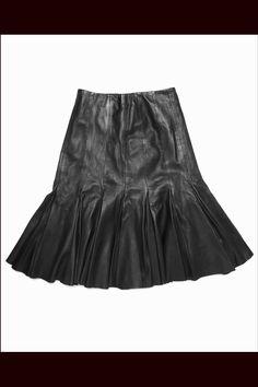 Las prendas de cuero que triunfarán esta temporada: falda de Armand Basi