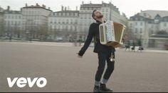 Claudio Capéo - Un homme debout (clip officiel) http://www.topfle.com/actualiteacute/chanson-un-homme-debout