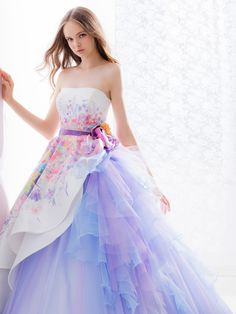 It's official: color is one of the hottest trends for bridal gowns! Whether your style is a hint of pink or an all-red extravaganza, check out these wonderful ideas for wearing a colorful wed… 15 Dresses, Lovely Dresses, Ball Dresses, Beautiful Gowns, Elegant Dresses, Ball Gowns, Fashion Dresses, Girls Dresses, Wedding Dresses