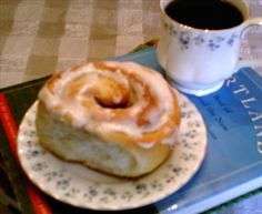 Amish Cinnamon Buns 1994 ( Indiana). Photo by andypandy