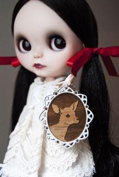 Snow White - Custom Blythe Doll - by sammydoe. With a Sconnie and Jam pendant as the pull charm!