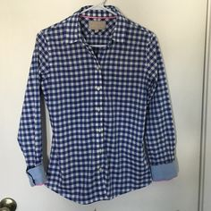 Banana Republic Soft Wash button down Blue and white checked 100% soft wash cotton button down. Sleeves have cute pink detailing when worn cuffed. Excellent condition. Banana Republic Tops Button Down Shirts