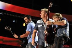 Rascal Flatts tearing it up on CMA Music Fest's stage!