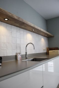 kitchen ideas – New Ideas Kitchen Dinning, Glass Kitchen, Kitchen Tiles, Kitchen Decor, Green Tile Backsplash, Home Room Design, Küchen Design, Beautiful Kitchens, Home Living Room