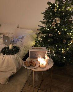 Cosy Christmas, Christmas Feeling, Christmas Wonderland, A Christmas Story, Christmas Lights, Christmas Decorations, Winter Wonderland, Christmas Aesthetic, Winter Time