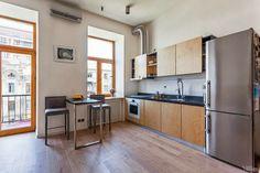 Elegante Apartamento con Estudio Abierto en Ucrania