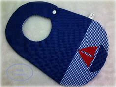 Boys bib, with sailboat appliqué Sewing Hacks, Sewing Crafts, Sewing Projects, Baby Bib Tutorial, Baby Applique, Baby Bibs Patterns, Bib Pattern, Baby Boy Quilts, Creation Couture