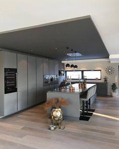 Modern Home Decor Interior Design Home Decor Kitchen, Home Kitchens, Decor Interior Design, Interior Decorating, Casa Top, Cuisines Design, Design Case, New Homes, Room Decor