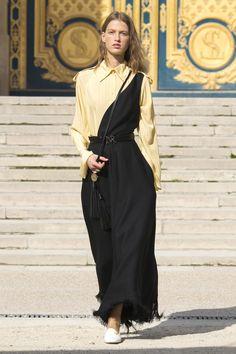 Nina Ricci Spring 2018 Ready-to-Wear Fashion Show Collection