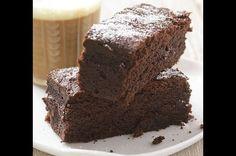 Vláčné čokoládové brownies Sweets, Food, Cakes, Fitness, Hama, Gummi Candy, Cake Makers, Candy, Essen