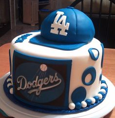 Dodgers cake, I would keep it as a decorative item. Dodgers Cake, Dodgers Party, Fondant, Birthday Cake Pictures, 6 Cake, Sport Cakes, Birthday Party Themes, Birthday Cakes, Birthday Ideas