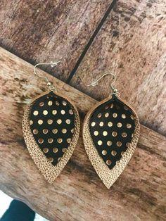 Rose Gold Geniuine Leather Earrings, Polka dot Earrings, Rose gold and balck polkadot earrings, Holiday Gifts, Stocking Stuffer - DIY Schmuck Diy Leather Earrings, Diy Earrings, Leather Jewelry, Leather Craft, Pandora Earrings, Polka Dot Earrings, Rose Gold Earrings, Crystal Earrings, Diamond Earrings