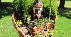 35 Picture-Perfect Fairy Gardens Made From Broken Flower Pots-I want them all!
