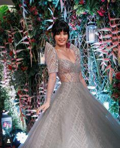 Modern Filipiniana Dress, Filipiniana Wedding, Grad Dresses, Ball Dresses, Wedding Dresses, Debut Ideas, Fairytale Dress, Sparkle Wedding, Minimalist Wardrobe