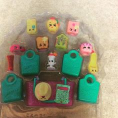 Want to know the names of these Season 3 Shopkins? See our Season 3 Preview! - SHOPKINS LOVE