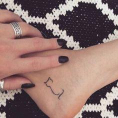 Minimalistic cat tattoo - Styleoholic
