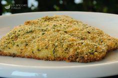 I filetti di persico in crosta di pane sono filetti di pesce persico gratinati nel forno con una panatura leggera di pane, aglio e prezzemolo. Sono molto semplici da preparare e anche piuttosto leggeri.