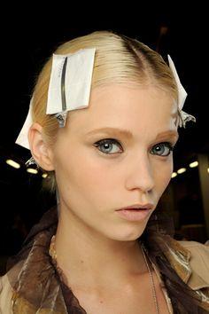 Spring 2011 Ready-to-Wear  Hermès - Beauty