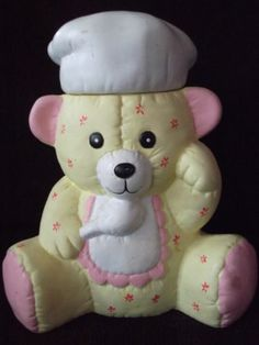 """COLLECTIBLE COOKIE JAR """" BEAR CHEF """" - YELLOW & PINK - VERY CUTE!"""