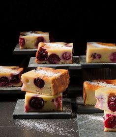 Κέικ µε ανθότυρο και κεράσια