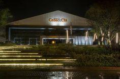O Casa & Cia começa a partir de amanhã, onde arquitetos, decoradores e você, poderão conferir as tendências em design, criatividade e inovação. O evento será realizado em dois locais simultaneamente, na SC401 em Florianópolis, ao lado do Primavera Garden e na Palhoça, no Passeio Pedra Branca. QUANDO: 12/09 a 19/10/2014 FLORIANÓPOLIS: de terça a domingo - das 13h às 21h PEDRA BRANCA: de terça a sexta - das 16h às 21h e sáb., dom. e feriado, das 13h às 21h. INFOS.: diario.com/casaecia
