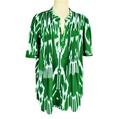 Denim Womens Plus Top Relaxed Fit 3 Button Front SS Pleats Green White Kaftan Tops, Tunic Tops, Dolman Top, Spring Has Sprung, Denim Top, Boho Tops, Shirt Blouses, Ss, Women's Fashion