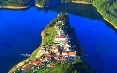 Dornes, vila no concelho de Ferreira do Zêzere, província de Ribatejo, distrito de Santarém