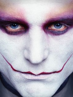 Creepy Clowntography - 'Paradise' by Erwin Olaf is an Unsettling Series of Reimagined Joker Clowns (GALLERY) Clown Makeup, Sfx Makeup, Costume Makeup, Makeup Art, Halloween Face Makeup, Joker Makeup, Dark Makeup, Makeup Ideas, Erwin Olaf