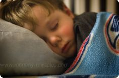 Toddler Sleep: Taming the Bedtime Monster (with Free Printable) Toddler Sleep, Baby Sleep, Getting Baby To Sleep, Sleeping Through The Night, Potty Training, Child Development, Parenting Hacks, Bedtime, Kids Bedroom
