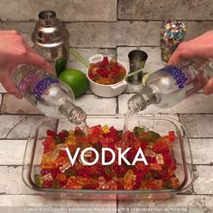 20 Vodka Cocktail Recipes – We seek happiness Summer Drinks, Fun Drinks, Pool Drinks, Summer Snacks, Mixed Drinks, Fun Cocktails, Cocktail Drinks, Drinking Games For Parties, Party Games For Adults