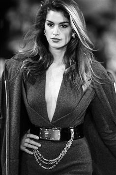 Cindy Crawford - Donna Karan Runway Show, 1988 80s Fashion, Timeless Fashion, Fashion Models, Fashion Weeks, London Fashion, High Fashion, Fashion Shoes, Donna Karan, 1990 Style