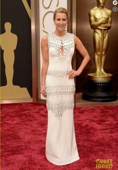 Lara Spencer on red carpet at Oscars 2014.