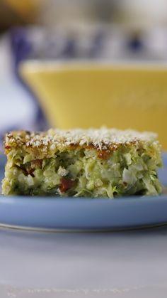 Confira a receita de Torta de Abobrinha do Tastemade Brasil da semana, Torta de Abobrinha Cauliflower Recipes, Veggie Recipes, Vegetarian Recipes, Cooking Recipes, Healthy Recipes, Zucchini Torta Recipe, Zucchini Cake, Zucchini Tomato, Banana Snacks