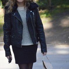 OOTD   Otro nueva forma de llevar el vestido negro que tantas veces y en looks tan diferentes os estoy enseñando últimamente www.ideassoneventos.com #ideassoneventos #imagenpersonal #imagen #moda #looks #wearingtoday #hoyllevo #fashion #outfit #ootd #style #fashionblogger #personalshopper #blogger #me #lookoftheday #streetstyle #outfitofday #blogsdemoda #instafashion #instastyle #currentlywearing #clothes #fashiondiaries #vestido #cazadoradecuero