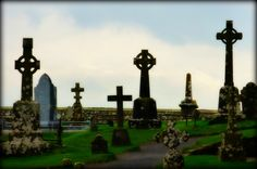 Rock of Cashel Cemetery - Jon Lander ©2016 - County Tipperary, Ireland