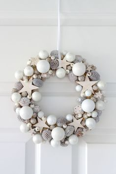 I adore these elegant Christmas colours and stars in this wonderful Christmas wreath I adore these elegant Christmas colours and stars in this wonderful Christmas wreath The post I adore these elegant Christmas colours and stars in this wonderful Christmas wreath appeared first on Belle Ouellette.